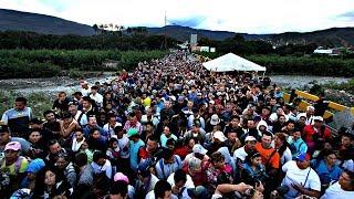 Венесуэльцы закупают продукты за границей, многие бегут из страны (новости)