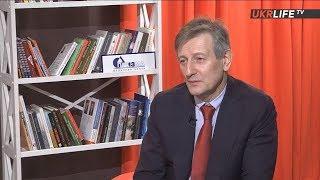 Украина очень опасными темпами наращивает государственный долг, - Ярослав Романчук