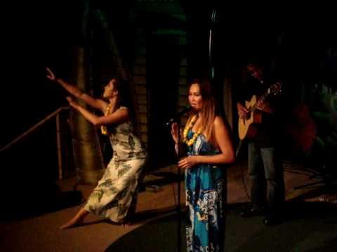"""Tia Carrere & Daniel Ho: """"Aloha Oe"""" live"""