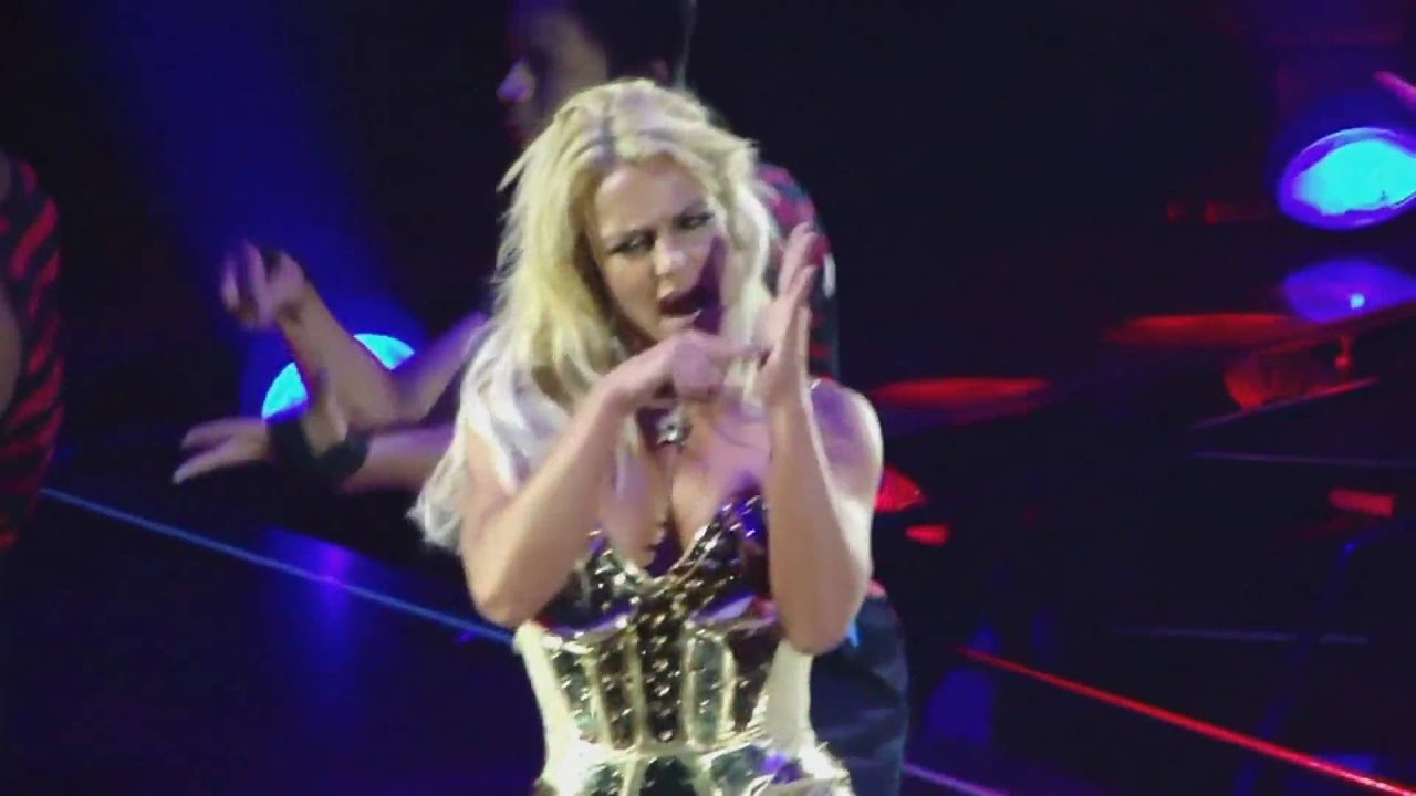 The Circus tour Britney Spears DVD: Circus - YouTube