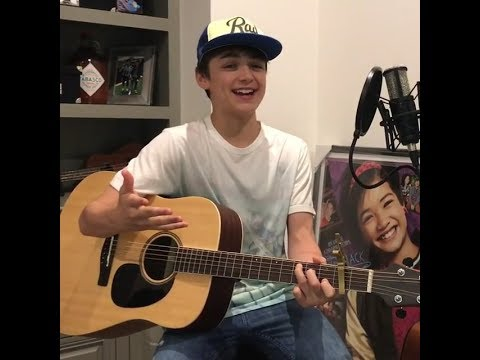 Asher Angel singing Andi Mack theme song / 28 May 2017