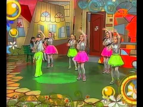 Детская песня Далеко от мамы - ансамбль Песенка
