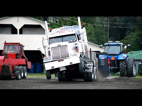 Western Star Jacques D Lafleur pulling Dead Weight Cookshire 2016