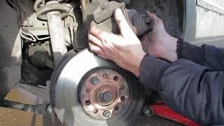 Замена передних колодок VW Passat B5. Проект семейный