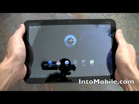 REVIEW: Motorola XOOM Android Honeycomb tablet hardware tour (Verizon)