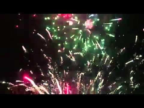 Bắn pháo thẳng vào người xem nổ tung toé ở Quảng Ngãi 2016