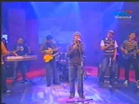 Aku Jatuh Cinta (Live) - Agus Riyanto