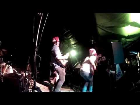 The Easy Brothers: 2013-12-20 Banham Barrel, Banham
