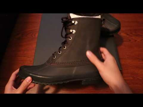 Unboxing UGGS Men Yucca boots.