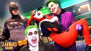 JOKER vs BATMAN vs COMIC CON!!! Real Life Superhero Movie Flash Mob