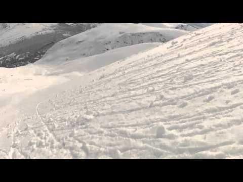 Rolling snowballs down Rasmustinden