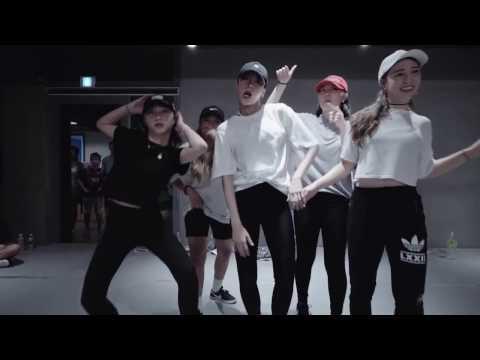 Ain't No Party Like An AOMG Party - Hyojin Choi Choreography