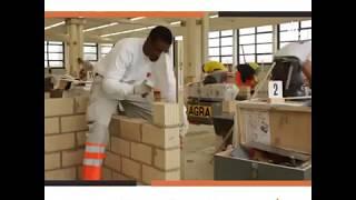 Góc hài hước - Sinh viên xây dựng ở nước ngoài