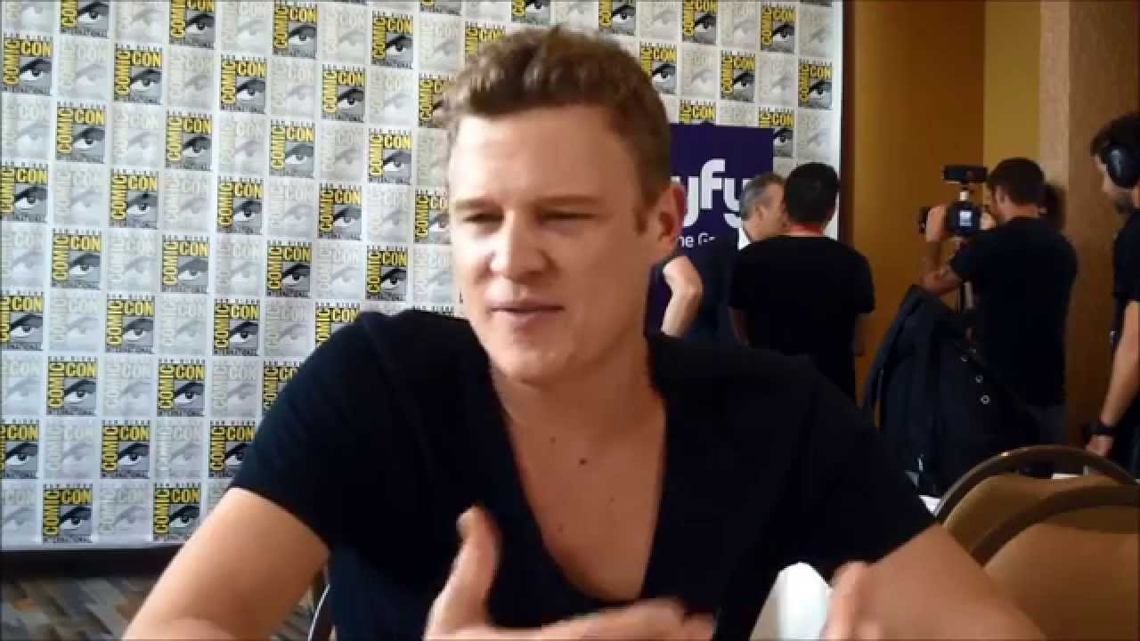 Download Dominion Q&A with star Christopher Egan (SDCC 2014)