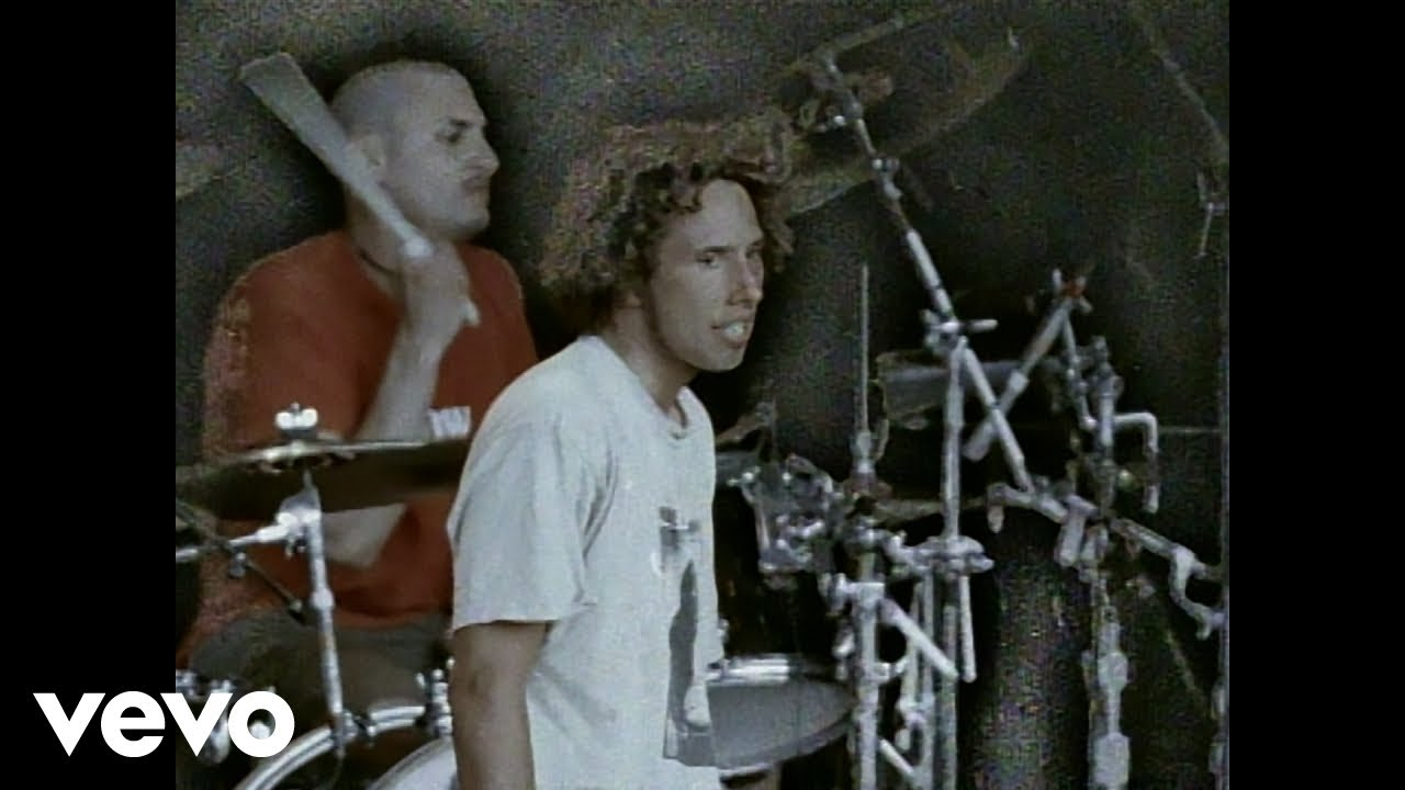Rage Against The Machine - Bulls on Parade - YouTube