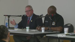 POLICE CHIEFS: East Bay police chiefs meet with local residents