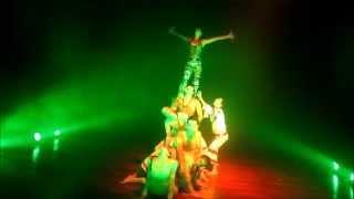 """Fragmento de la obra """"Sueño y Memoria"""" A Cántaros Danza."""