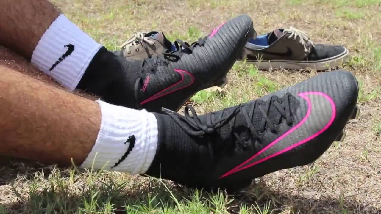 free shipping e93c7 2430c Nike Mercurial Superfly 5 Pitch Dark Pink - Review and Play Test - YouTube