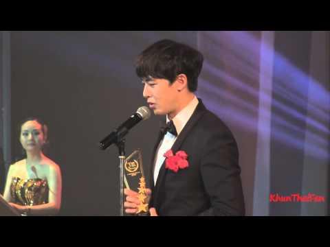 [Fancam] 20151126 Nichkhun รับรางวัล @Thailand Headlines Person of the Year Awards 2015