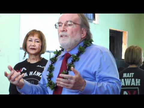 GOVERNOR NEIL ABERCROMBIE VISITS THE PENN HAWAII YOUTH FOUNDATION