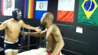 Pro wrestling Move: Tilt O