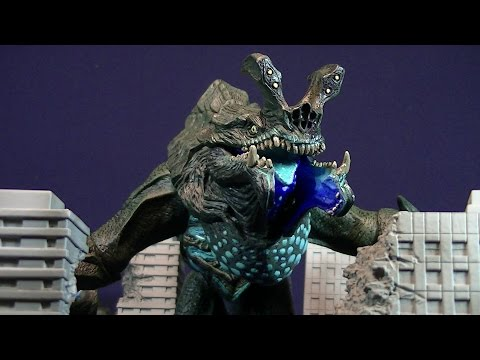 NECA PACIFIC RIM OTACHI - LAND VERSION - DELUXE KAIJU FIGURE REVIEW