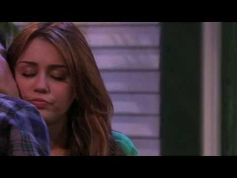 Niley cheek kiss manip