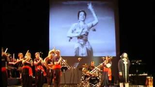 Ghar Aaya Mera Pardesi - Rafaqat Ali Khan and The Bollywood Brass Band