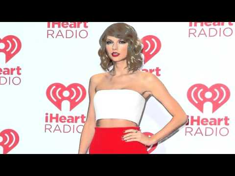 Taylor Swift Bakes Cookies for Fans at Her Secret Listening Party