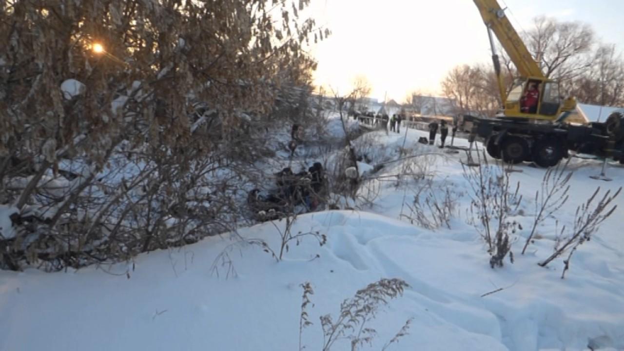 В Шарлыком районе водитель на «Урале» съехал в русло реки Заповедь .