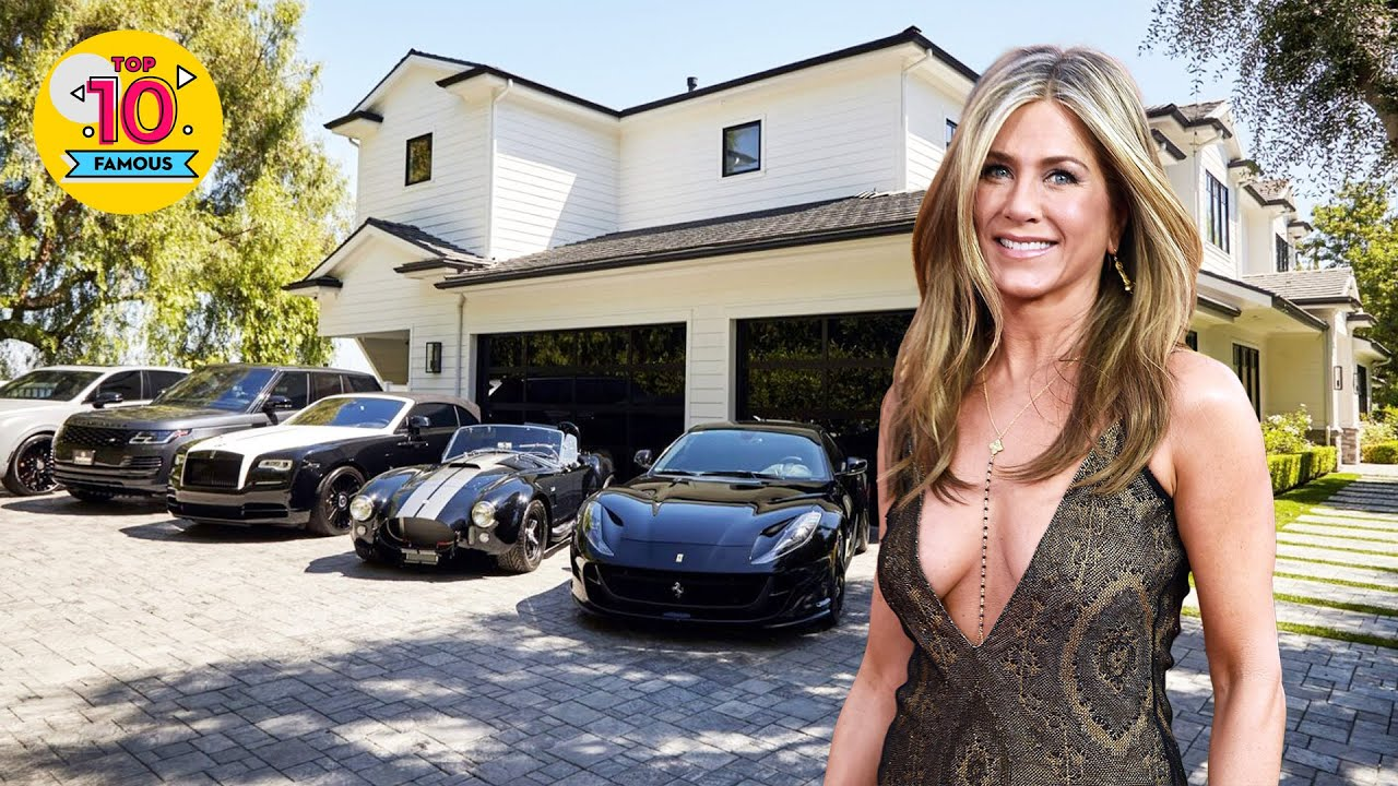 The Rich Lifestyle of Jennifer Aniston 2021