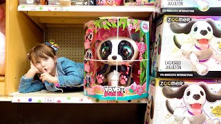 Ksysha and Dad pretend play Hide and Seek in Toy Store