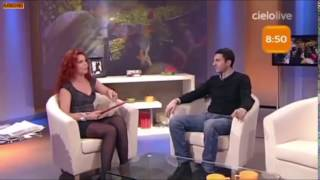 Repeat youtube video Paola Saluzzi - mix accavalli da prosciugamento (mix crossing legs in miniskirt and pantyhose)