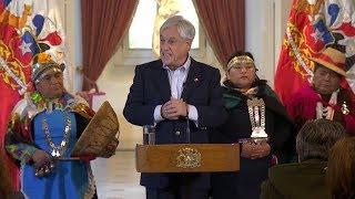 """Piñera dijo que pondrá la riqueza de los pueblos originarios al servicio de """"todos"""" los chilenos"""