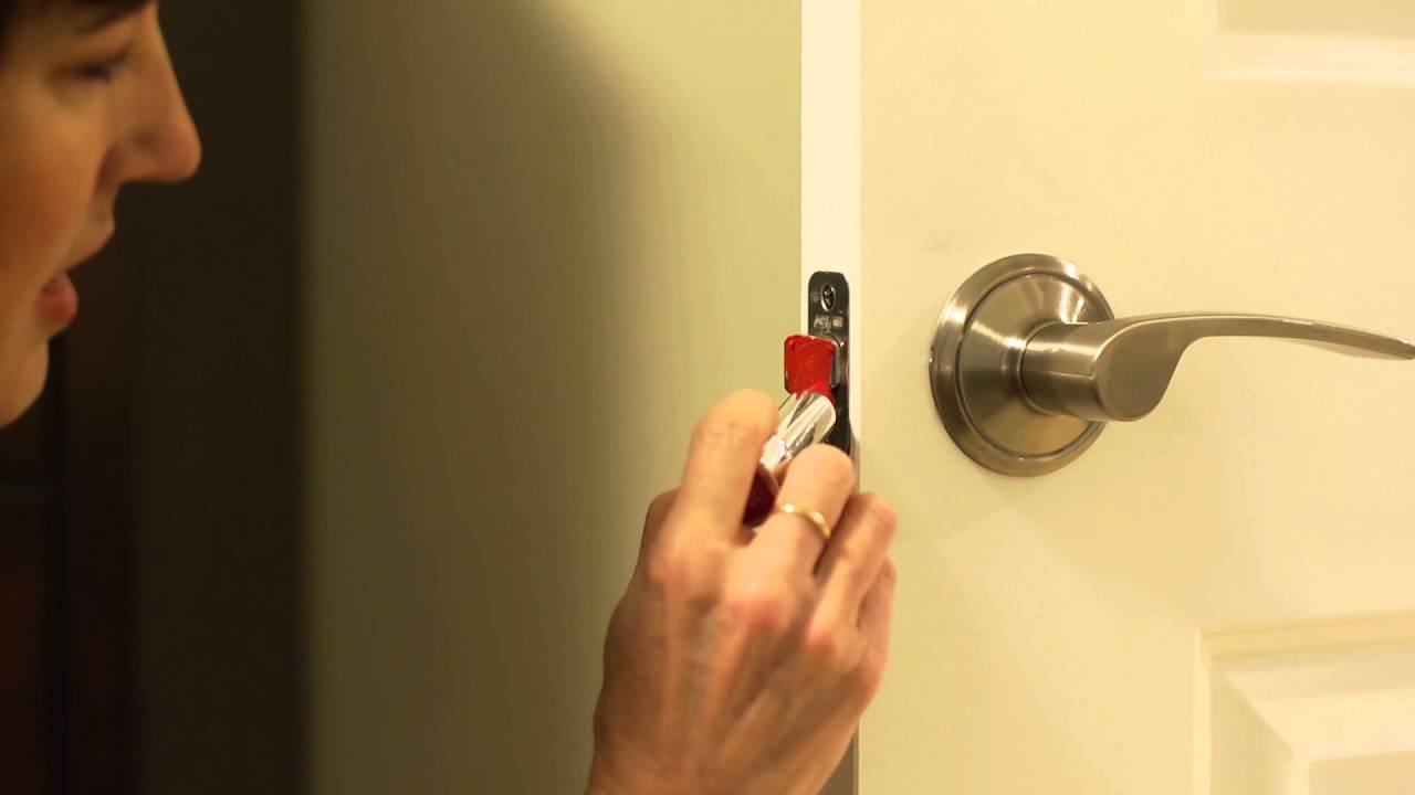 How To how to fix a door knob latch pics : How to Fix A Door That Won't Latch | Home Hack - YouTube