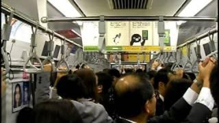 電車で寝過ごさない発明品を漫画家が開発!