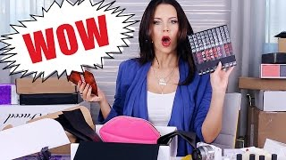 FREE STUFF BEAUTY GURUS GET | Unboxing PR Packages ... WOW