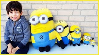 Learn Sizes with Minions Toys from Smallest to Biggest for Children