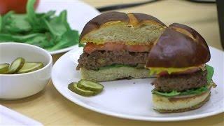 """Meet The Fake Burger That """"bleeds"""""""