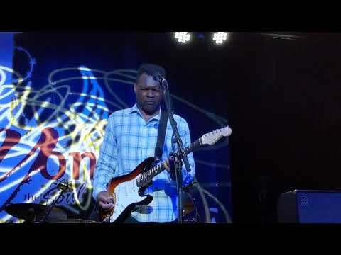 Robert Cray - Time Makes Two