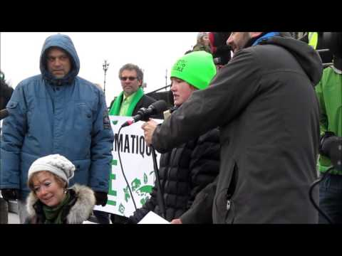 10-year old Rebecca Taylor speaks at Ottawa Climate March (Nov. 29).