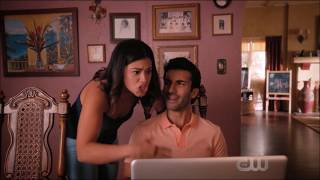 Jane the virgin - Jane and Rafael looking for a job (Michael flashback)