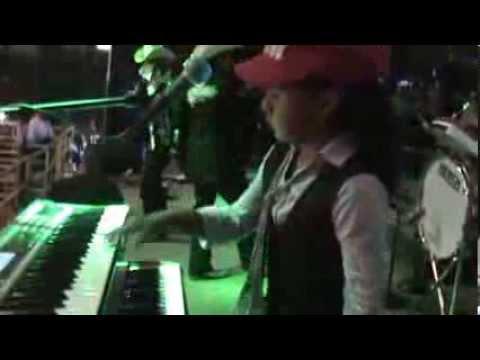 El Trono De Mexico Y Lizbeth ( Tecladista Mas Joven En La Musica Grupera)