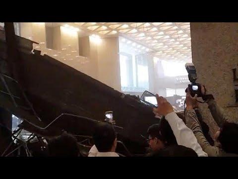 Colapso de andar da Bolsa indonésia faz 77 feridos