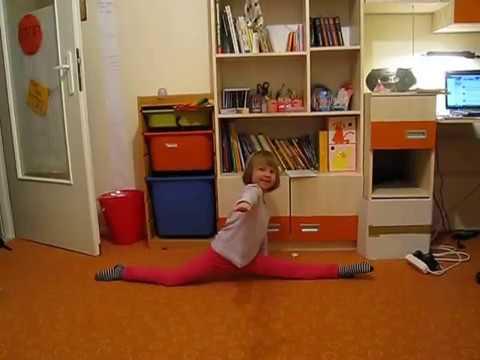 3-letnia akrobatka Maja – figury gimnastyczne i ćwiczenia na linie