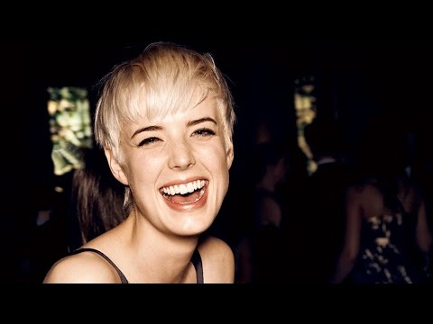 TOP MODEL AGYNESS DEYN BACKSTAGE Fall 2007 #TBT | MODTV