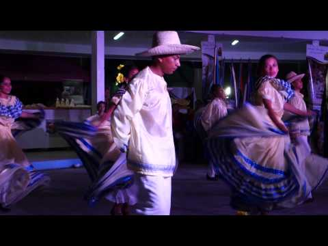 Traditional Nicaragua Dance in Managua 3