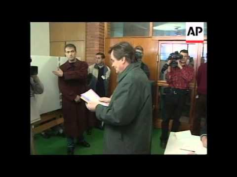 BOSNIA: LEADERS VOTE IN ELECTIONS