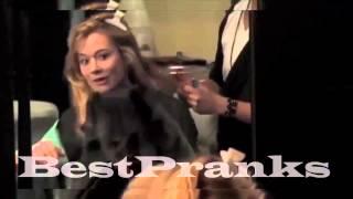 Scare Video Ghost in the barbershop ! Призрак в парикмахерской , ПРИКОЛЫ