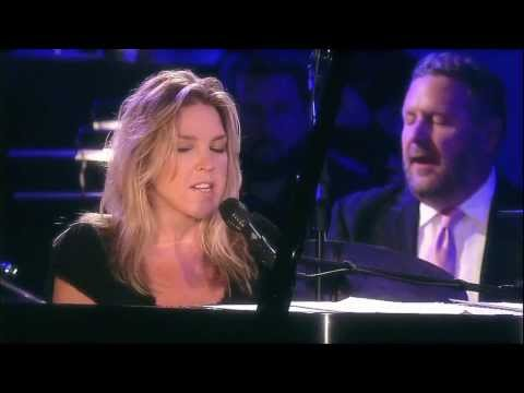 I Love Being Here With You - Diana Krall - (Live in Rio) HD